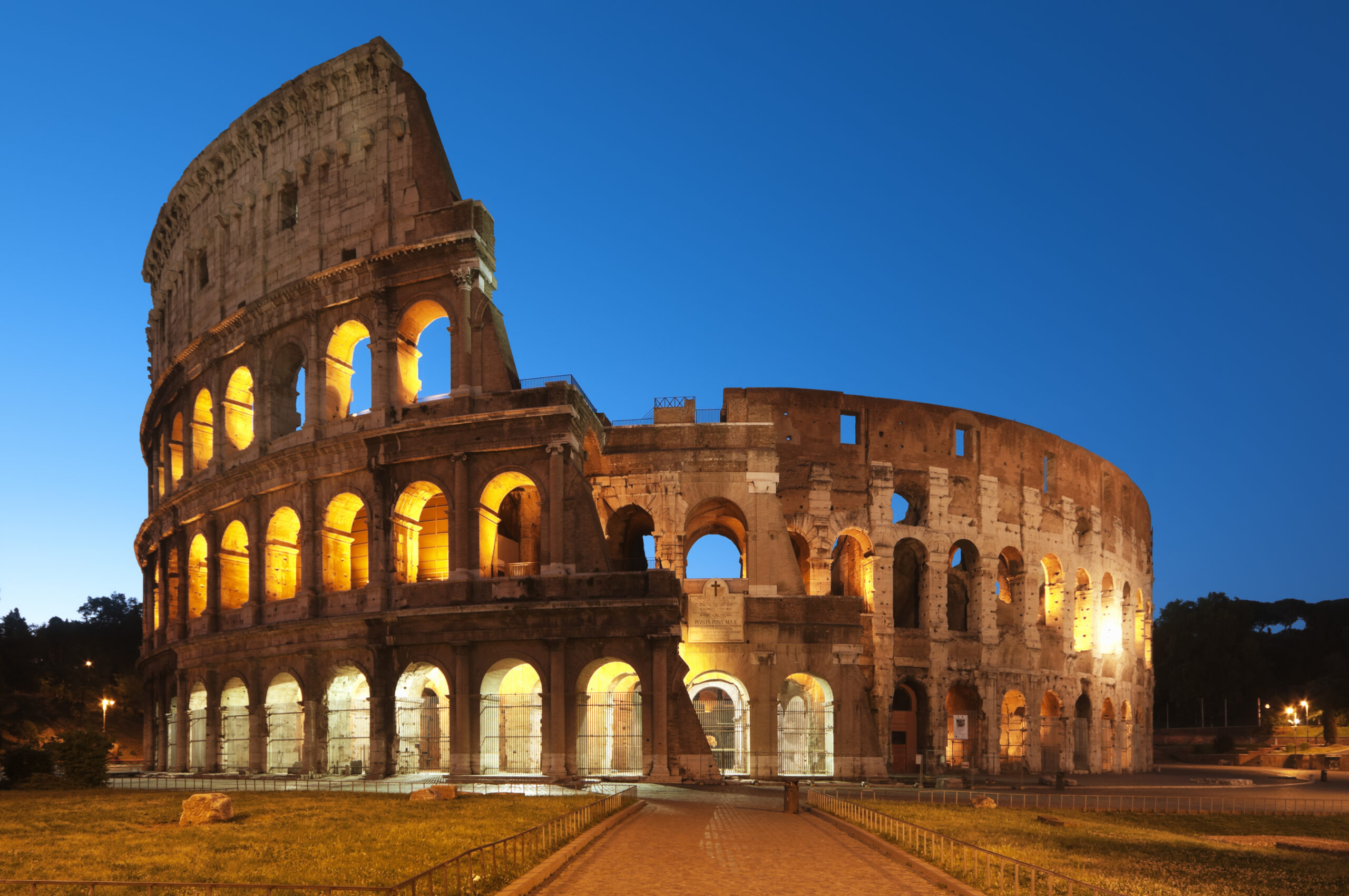 Private Vatican Museums Tour + Colosseum at Night